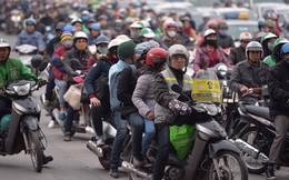Người dân ùn ùn về lại Hà Nội sau kỳ nghỉ tết, cửa ngõ phía nam bắt đầu đông đúc