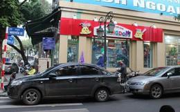 """[Ảnh] Hà Nội tăng phí gửi xe, """"xế hộp"""" nháo nhác tìm chỗ đỗ"""