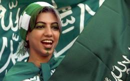 Phụ nữ Saudi Arabia lần đầu được vào sân xem đá bóng