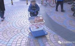 Câu chuyện thương tâm phía sau cậu bé giao hàng run rẩy, bàn tay đỏ hoe vì giá lạnh