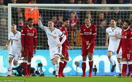 Vừa thắng tưng bừng Man City, Liverpool lại thua ngay đội cuối bảng