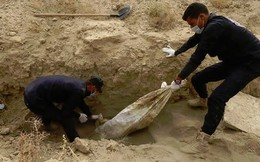 Phát hiện một hố chôn tập thể lớn với 1.500 thi thể ở Raqqa, Syria