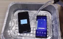 """""""Luộc"""" iPhone Xr và Galaxy S9 trong nước nóng 100 độ C: Máy nào chịu nóng giỏi hơn?"""