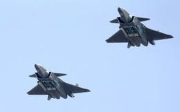 Tiêm kích tàng hình J-20 Trung Quốc lần đầu phô bày khoang chứa tên lửa