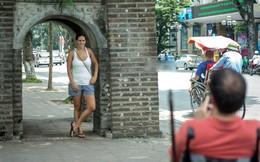 Câu chuyện chàng trai khiếm thị vẫn cố chụp ảnh cho bạn gái khiến cư dân mạng vững tin vào sức mạnh tình yêu