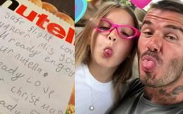 Bố đi xa, Harper Beckham giấu quà vào va li kèm bức thư siêu đáng yêu