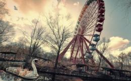 Cảnh tượng hoang tàn bên trong địa điểm từng là công viên giải trí hàng đầu nước Đức