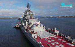 """Video: Tuần dương hạm Nga phóng vũ khí """"vừa biết bơi vừa biết bay"""""""