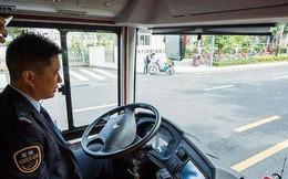 """Nữ hành khách Trung Quốc giằng vô lăng xe buýt """"thích chết thì cùng chết"""""""