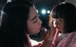Thấy con gái không dậy thì nên đưa đi khám, bác sĩ nói một câu khiến người mẹ ân hận cả đời
