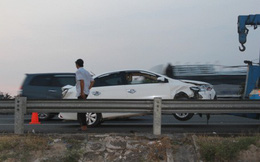 5 ô tô đụng liên hoàn trên cao tốc Trung Lương-TP.HCM