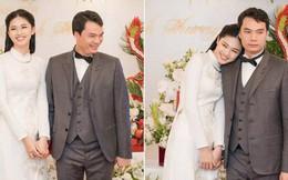 Á Hậu Thanh Tú e ấp tựa vào vai chồng mới cưới trong lễ ăn hỏi