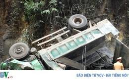 Xe tải lao vách núi, tài xế tử vong tại chỗ