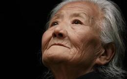 """Bức thư tuyệt mệnh của người mẹ 80 tuổi """"hối hận vì sinh ra 4 con trai"""" khiến nhiều người trào nước mắt"""