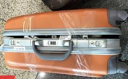 Mở hành lý khách đi tàu, cảnh sát phát hiện điều rùng rợn