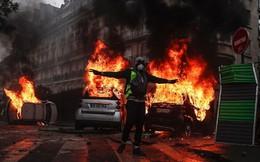 Người biểu tình phá hoại Khải Hoàn Môn khiến điện Elysee chấn động