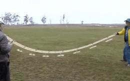 Chiếc drone với đôi cánh siêu dẻo này có thể bay lượn như loài chim ngay cả khi trời giông gió