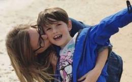 Đang lái xe thì mẹ lên cơn co giật, cậu bé 8 tuổi đã làm 1 việc táo bạo cứu mạng hai mẹ con