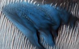 Trên Sao Hỏa, có một đụn cát xanh kì lạ như thế này đây!
