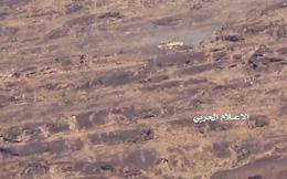 Chiến binh Houthi trổ tài, thiêu hủy Т-55, LAV-25 và xe cơ giới của Ả rập Xê-út