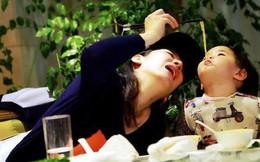 Trước 3 tuổi, bố mẹ nên thay đổi 4 thói quen xấu này cho con, nếu không tương lai của bé sẽ gặp rắc rối