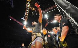 Vượt qua án cấm, cựu võ sĩ số 1 thế giới trở lại ấn tượng, giành luôn đai vô địch thế giới