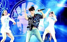 """Sơn Tùng """"lạc trôi"""" cùng hàng ngàn người hâm mộ với màn trình diễn xuất thần tại Tiger Remix"""