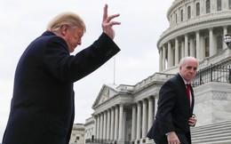 """Ông Trump """"mất tiền"""" mua kẹo lấy lòng phe Dân chủ, nhưng rủi thay lại tự chuốc bực vào thân"""