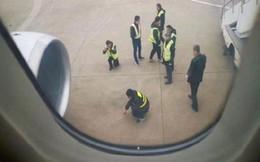 Chuyến bay trì hoãn vì hành động kỳ cục này của hàng khách
