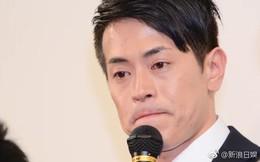 """Sau bê bối bạo hành bạn gái, """"bắt cá ba tay"""", nam ca sĩ đình đám Nhật Bản tuyên bố rút lui khỏi showbiz"""