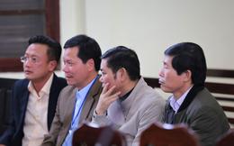 """Vụ án chạy thận: Giám đốc và PGĐ khai mâu thuẫn, toà muốn """"xem xét trách nhiệm của BV Bạch Mai"""""""