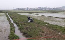 Nam thanh niên ngồi gục chết bên xe máy giữa đồng lúc sáng sớm