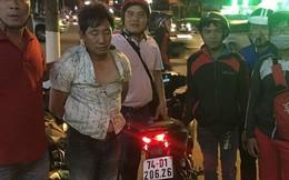 """""""Hiệp sĩ"""" đường phố bắt tên trộm đang đem xe máy sang Campuchia tiêu thụ"""