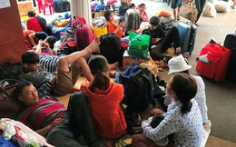 Thêm nhiều chuyến tàu trễ giờ, nghìn người vật vờ ở ga Sài Gòn