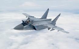 """Ảnh: """"Sát thủ"""" MiG-31 có thể bắn tên lửa siêu thanh Kinzhal"""