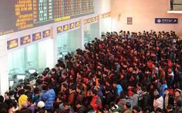 """Trung Quốc: Du khách tuyệt vọng dùng trăm phương ngàn kế để """"hack"""" vé tàu những ngày giáp Tết"""