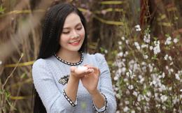Sao Mai Lương Nguyệt Anh khoe sắc bên hoa đào