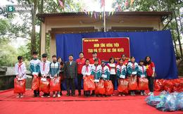 Tết sớm cho học sinh Vân Mộng