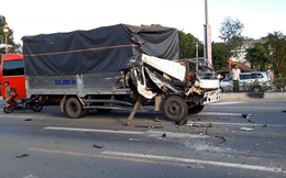 Xe tải tông 2 ô tô đang dừng đèn đỏ, phụ xe văng ra ngoài đứt lìa bàn chân