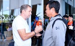 HLV Rajevac mệt mỏi, gượng cười trong ngày chia tay các cầu thủ Thái Lan