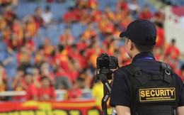 Cảnh sát đặt camera xử lý cổ động viên quá khích đốt pháo ở sân Mỹ Đình trong trận Việt Nam - Malaysia