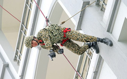 Nữ chiến đấu viên đặc công ở đơn vị biệt động
