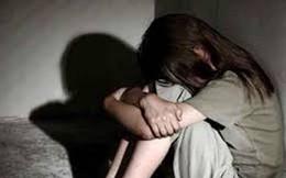 """Khởi tố nam thanh niên 17 lần dụ dỗ bạn gái 13 tuổi làm """"chuyện người lớn"""""""