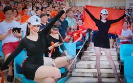 Cô gái xuất hiện nổi bật trên khán đài Mỹ Đình, hóa ra lại là gương mặt quen của fan bóng đá
