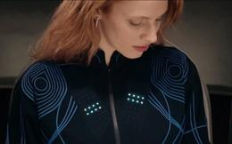Chiếc áo khoác công nghệ cao này cho phép người khiếm thính 'cảm nhận' âm nhạc trên da