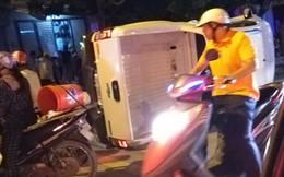 """9X lái xe bán tải đâm thẳng vào 2 thanh niên xăm trổ dừng đèn đỏ nhằm """"để giải vây giúp bạn"""""""