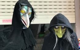 """""""Ma quỷ"""" Halloween xuống phố Hàng Mã: Càng kinh dị càng đắt tiền"""