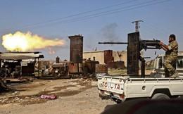 24h qua ảnh: Chiến binh Syria xả súng máy giáp biên giới Thổ Nhĩ Kỳ