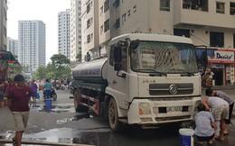 Xe téc bẩn chở nước cho người dân HH Linh Đàm do chính Ban quản lý thuê
