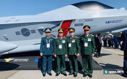 Đoàn BQP Việt Nam thăm Triển lãm HKVT và quốc phòng ADEX-2019: Xem nhiều vũ khí tối tân